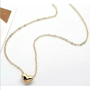 Jewelry - 🎉BLACK FRIDAY SALE! 🎉Cute Gold Heart Necklace